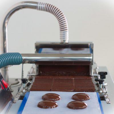 Nastro trasportatore per ricopriture in cioccolato